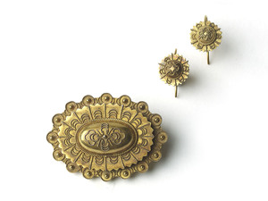 Gold Brooch & Earrings Suite