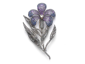 Large sapphire Flower Brooch
