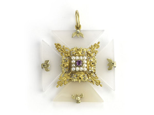 An Antique Maltese Cross Pendant