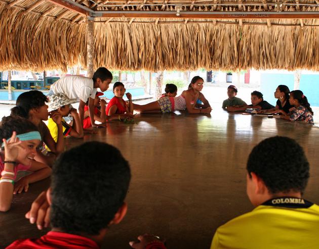 19 jovenes en rancho casa del pueblo