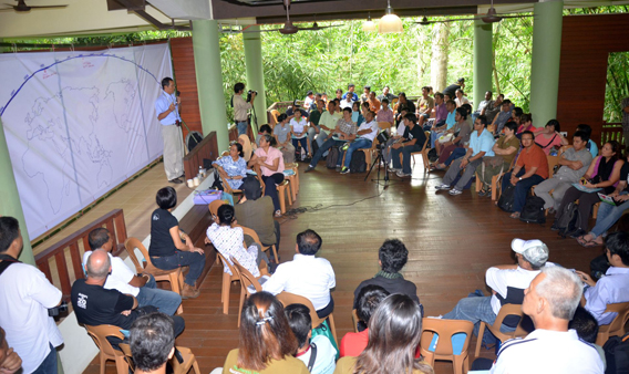 A participant sharing a story at the inaugural Southeast Asia Renewable Energy People's Assembly (SEAREPA) at the Rainforest Discovery Centre in Sandakan, Sabah. Photo courtesy of SEAREPA.