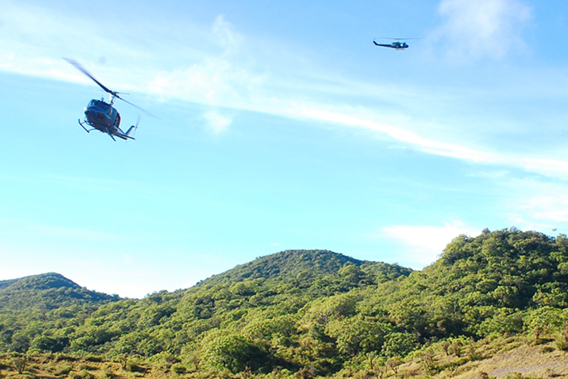 Air New Zealand defense force helicopters dropping of researchers to survey the biodiversity uplands of Savaii. Photo by: Rebecca Stirnemann.