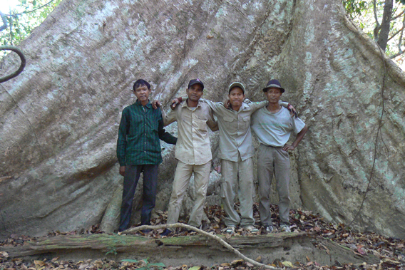 The crew, from left: Neam, Jeung, Su, Neap. Photo by: Greg McCann.