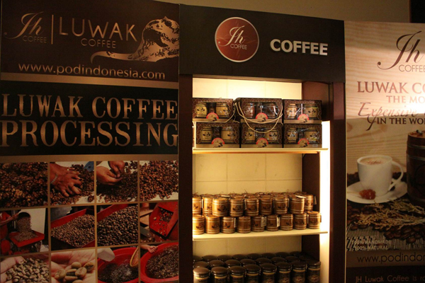 Civet coffee for sale in Jakarta airport. Photo by: Chris Shepherd.