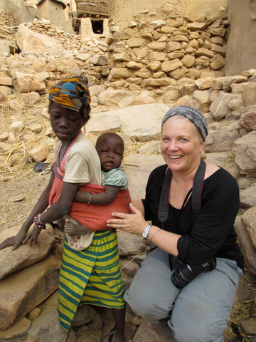 Anne Warner with Dogon children in Mali. Photo courtesy of Anne Warner.