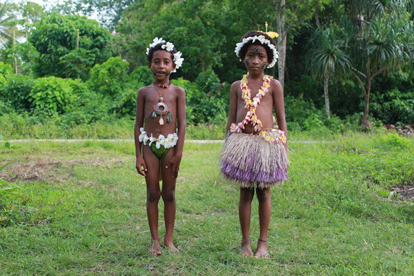 Children on Woodlark Island. Photo by: Simon Piyuwes.