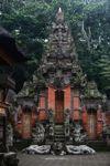 Candi di hutan monyet sakral Ubud