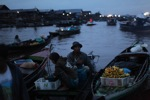 Floating market in Banjarmasin [kalsel_0194]