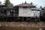 Trash along the river in Banjarmasin [kalsel_0336]