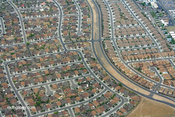 Suburban sprawl in Albuquerque, New Mexico. The average American's ecological footprint is the fifth highest in the world. Photo by: Jeremy Hance.