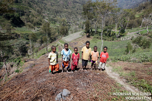 Children in New Guinea