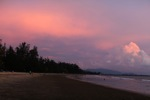 Sunset di sebuah pantai di Kota Kinabalu