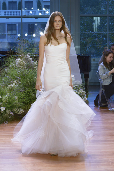 Monique lhuillier bridal ss17 1928