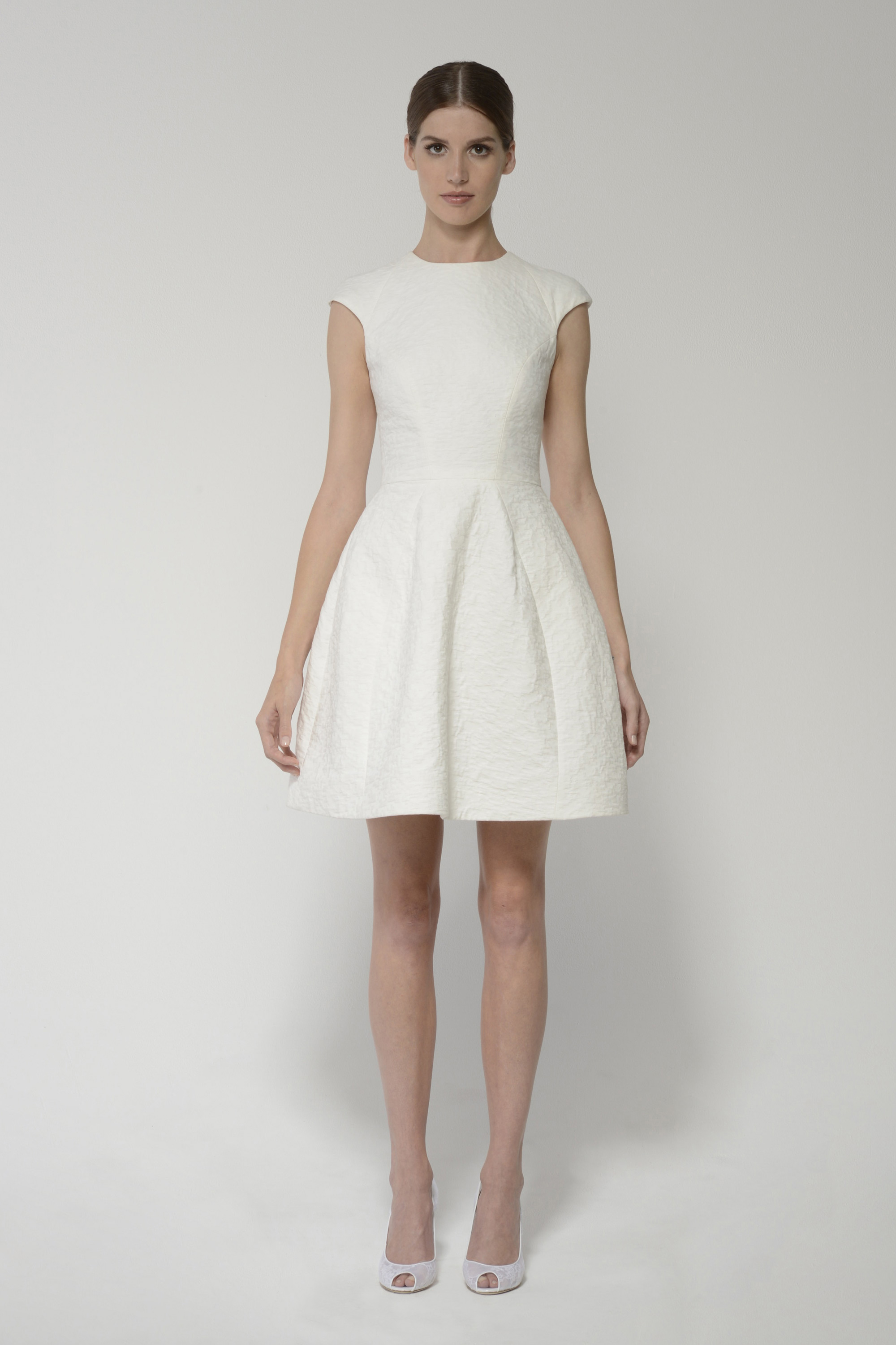 Deedress_ivory_main_0