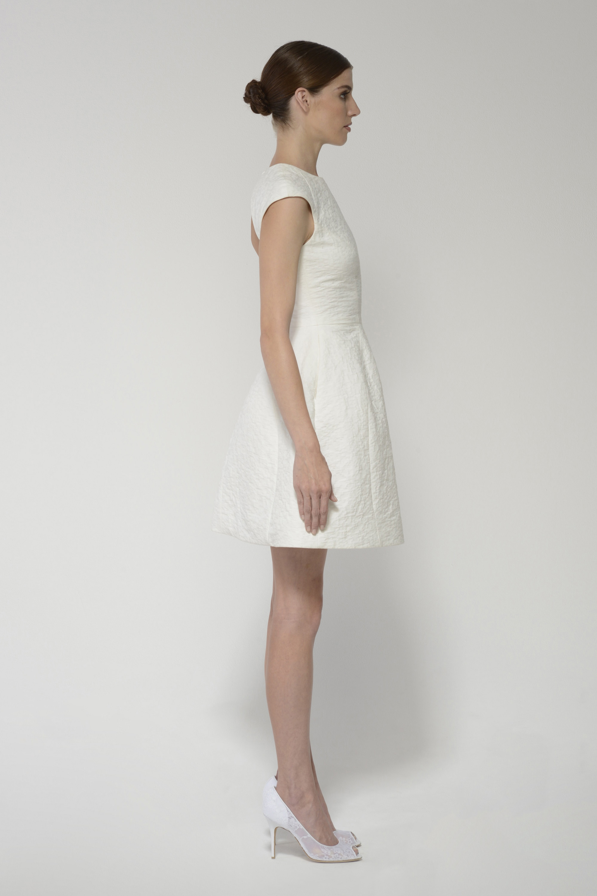 Deedress ivory left 1