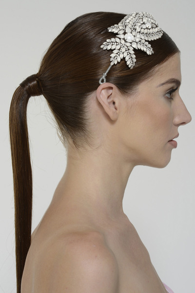 Sandrineheadpiece frosted back 2