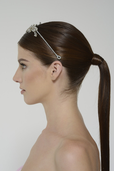 Intrigueheadpiece crystal right 3