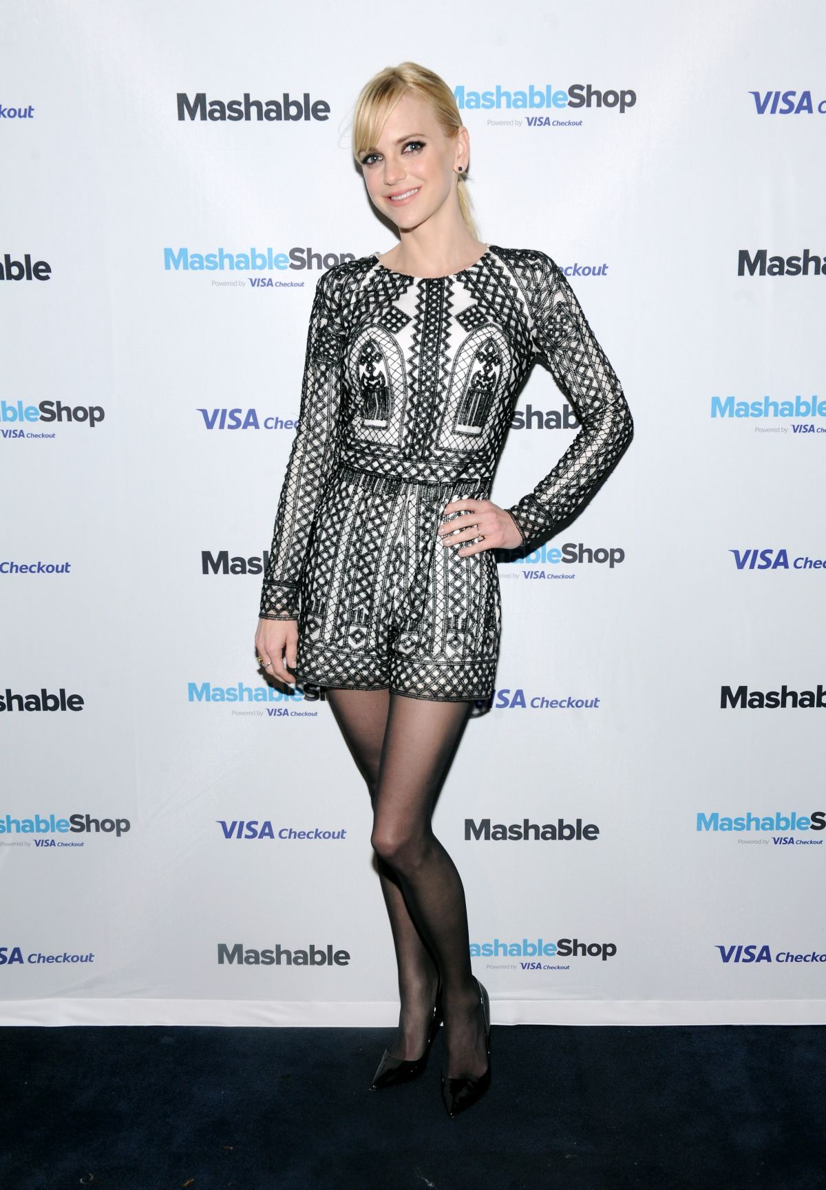 Anna faris at mashable shop launch event in new york 12 15 2015 3
