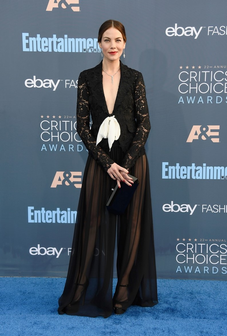 Michelle monaghan bryce dallas howard critics choice awards 01