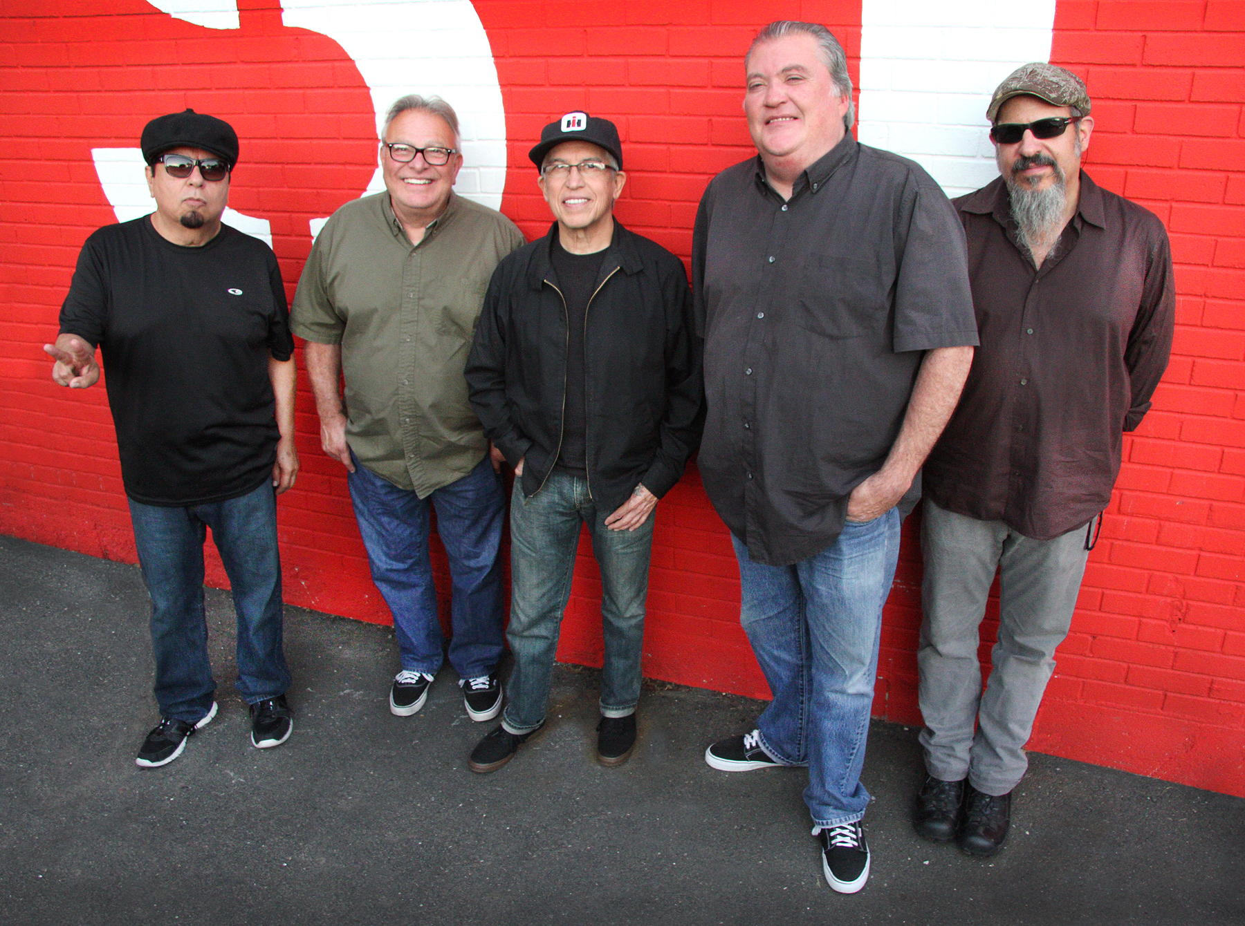 Los lobos gog press photo