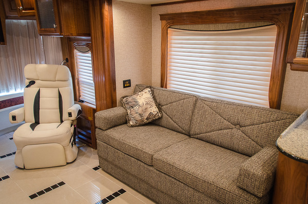 2007 country coach magna 45 %2810 of 40%29