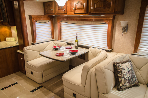 2007 country coach magna 45 %2812 of 40%29