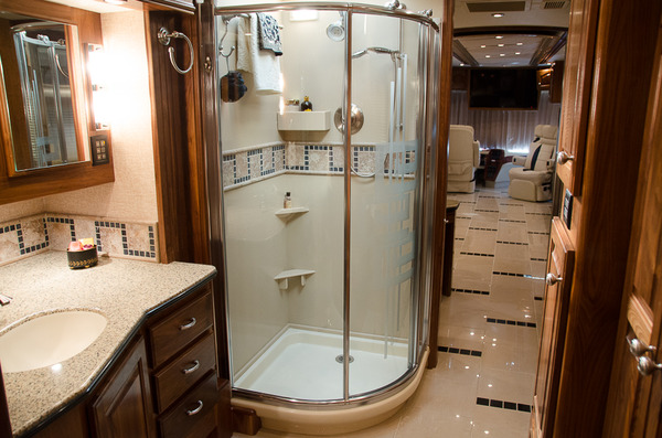 2007 country coach magna 45 %2818 of 40%29