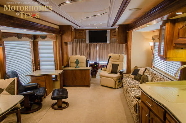 2005 Country Coach Magna 42 39 Priced At 144500