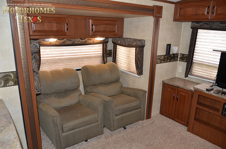2012 Keystone Outback Super Lite 298re Priced At 17500