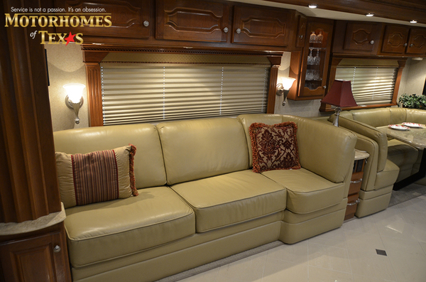 C2063 2008 country coach intrigue 8438