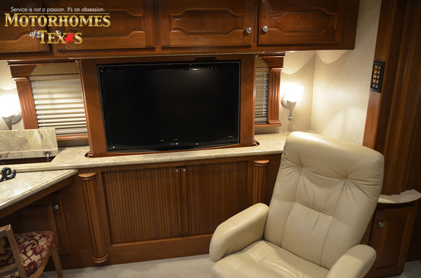 C2063 2008 country coach intrigue 8439