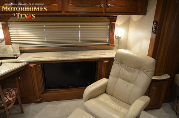 C2063 2008 country coach intrigue 8440