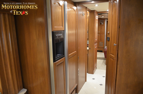 C2063 2008 country coach intrigue 8444