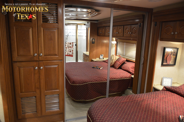 C2063 2008 country coach intrigue 8450