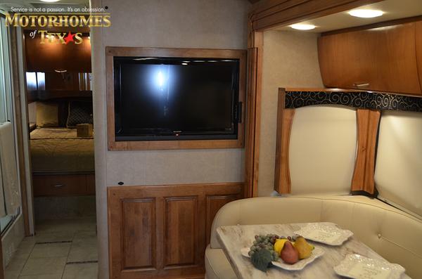 C2068 2011 monaco vesta 8811