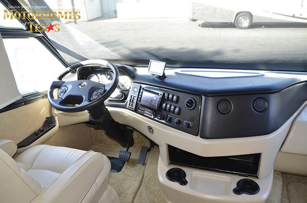 C2068 2011 monaco vesta 8824