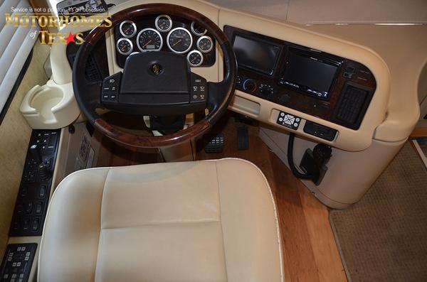 C2071 2007 foretravel phenix 9035