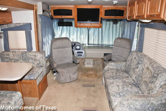 2005 Pursuit 30 P1035 on Great Room Open Floor Plan