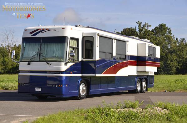 2001 Newell Coach 45'