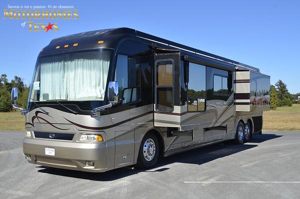 2005 Country Coach Magna 45'