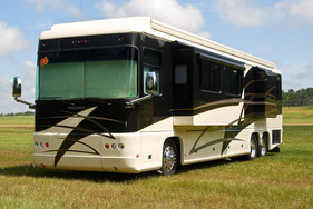 2006 Foretravel Phenix 40'