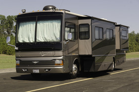 2004 Fleetwood Discovery 39'