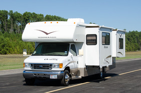 2006 Winnebago Outlook 27L