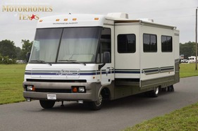 1997 Winnebago Adventurer 34'