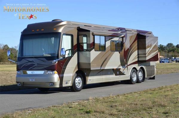 2007 Country Coach Magna 42'