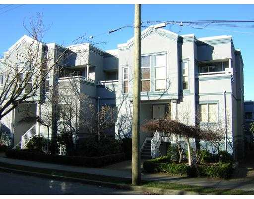 "Main Photo: 19 877 W 7TH AV in Vancouver: Fairview VW Townhouse for sale in ""EMERALD COURT"" (Vancouver West)  : MLS(r) # V575221"