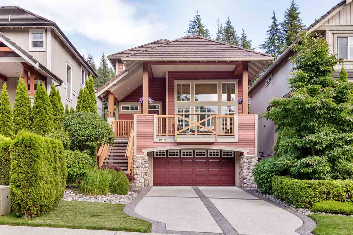 FEATURED LISTING: 1919 PARKWAY Boulevard Coquitlam