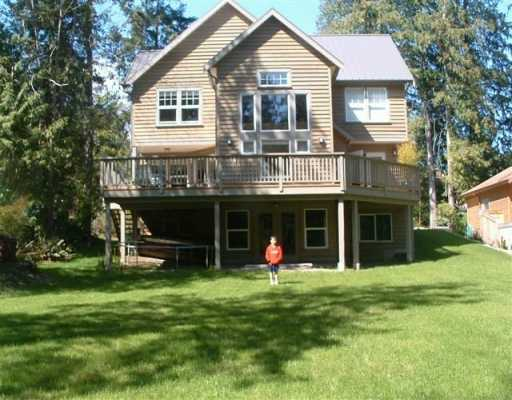"Main Photo: 1107 GRANDVIEW RD in Gibsons: Gibsons & Area House for sale in ""GIBSONS"" (Sunshine Coast)  : MLS®# V586596"