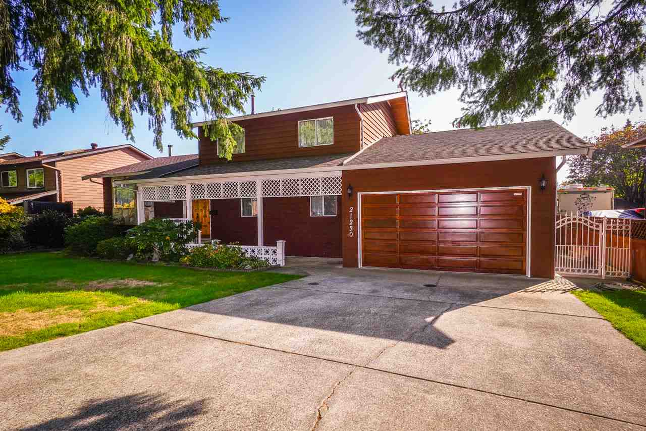 FEATURED LISTING: 21230 122 Avenue Maple Ridge