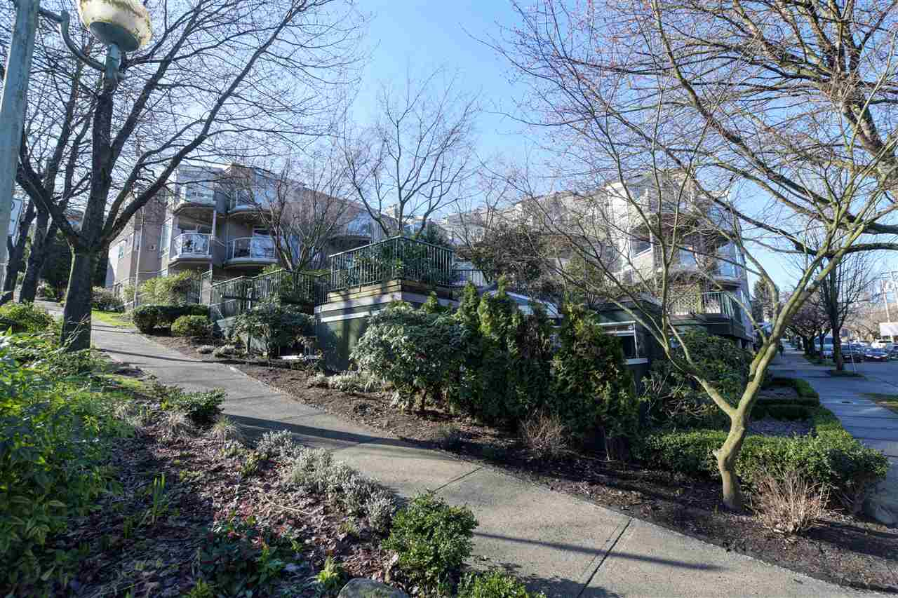 FEATURED LISTING: 302 - 908 7TH Avenue West Vancouver